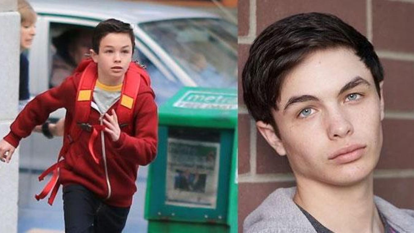 A gauche Logan dans la peau de The Flash à gauche