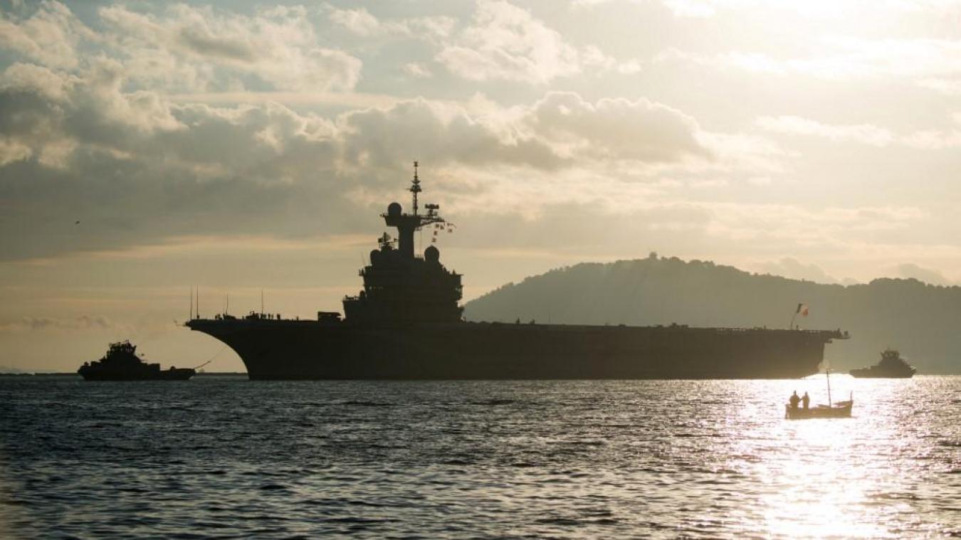Le porte-avions nucléaire français Charles-de-Gaulle, sur lequel 50 marins ont été testés positifs au coronavirus, arrivera dimanche à Toulon. Photo d'archives BERTRAND LANGLOIS / AFP