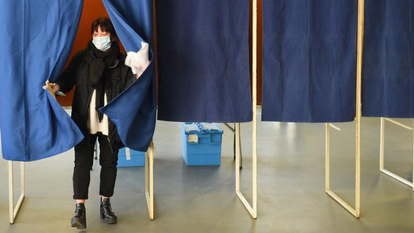 Le second tour des élections municipales, qui avait été reporté à cause de la crise sanitaire, aura lieu soit en juin soit en janvier 2021, a affirmé Édouard Philippe mercredi soir lors d'une réunion avec les chefs des partis politiques. (Photo archives NICOLAS TUCAT / AFP)