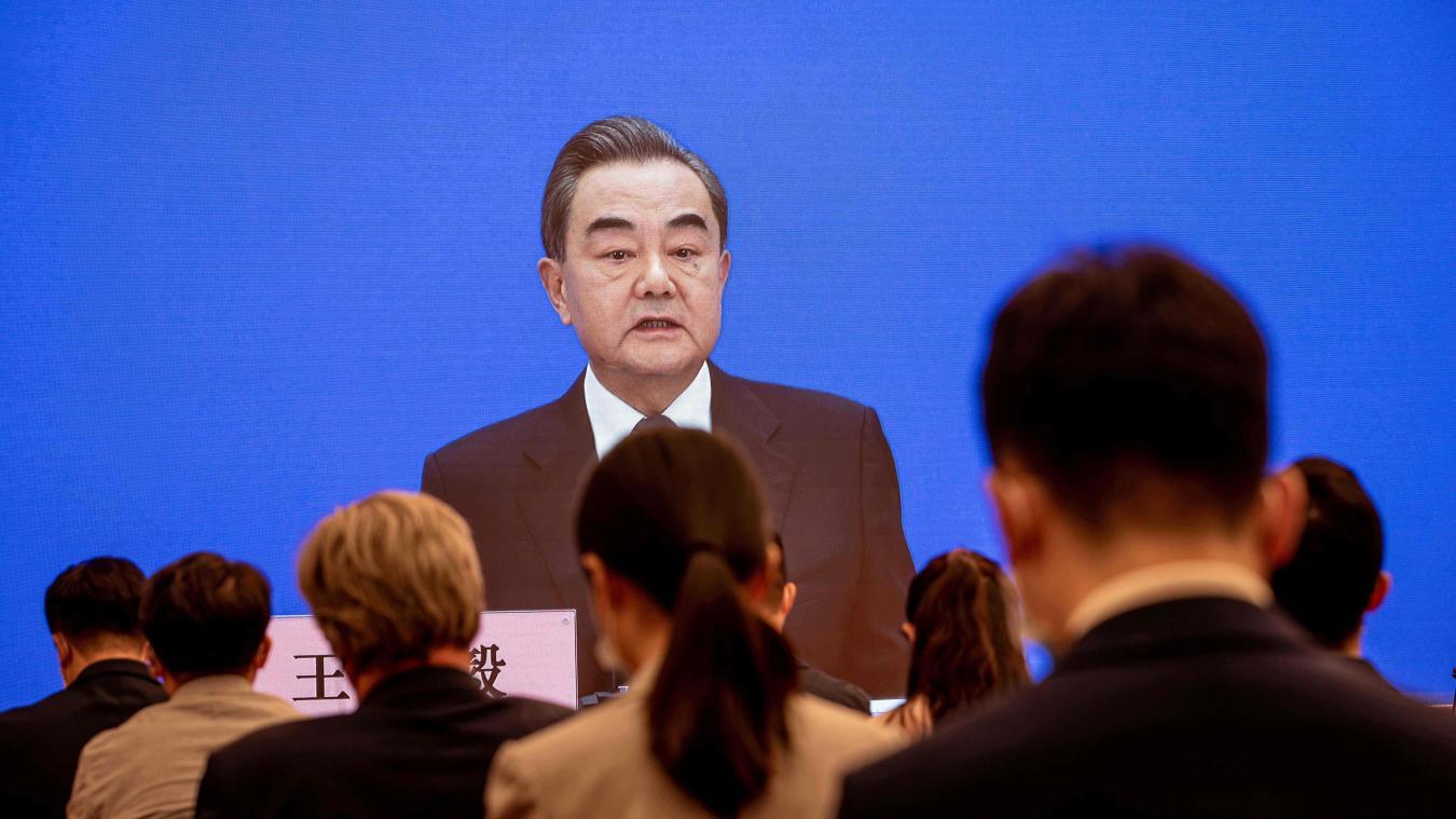Une telle coopération devra s'abstenir de toute «ingérence politique», a souligné le ministre chinois des Affaires étrangères d'une conférence de presse, accusant au passage des responsables politiques américains de vouloir «propager des rumeurs» afin de «stigmatiser la Chine».