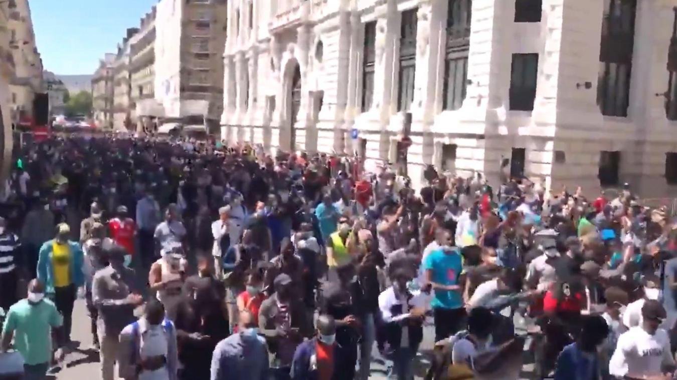 Paris Manifestation Pour La Regularisation Des Sans Papiers 92 Personnes Interpellees