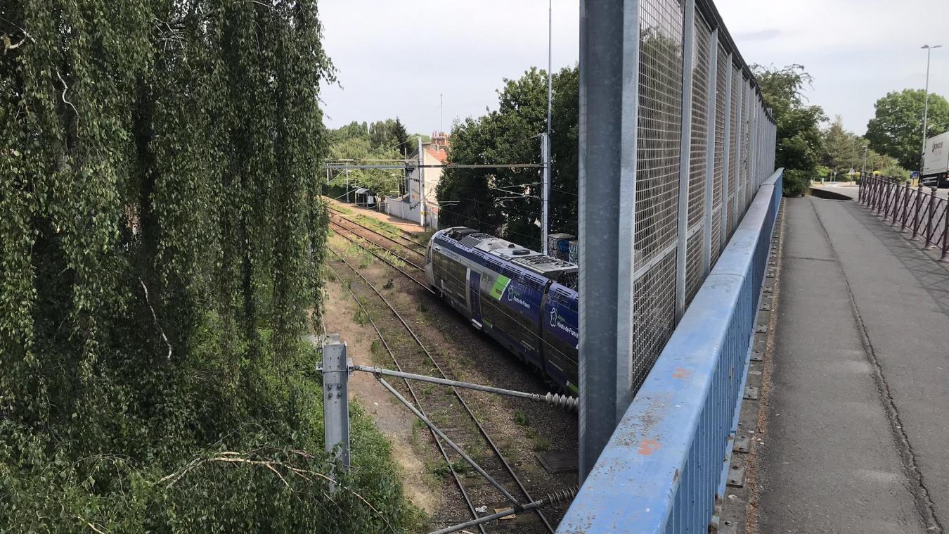 - Hellemmes: l'hypothèse d'un accident après la chute mortelle d'un homme sur les voies SNCF