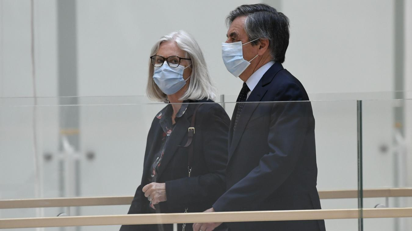 Les époux Fillon et Marc Joulaud sont condamnés à rembourser un million d'euros à l'Assemblée nationale