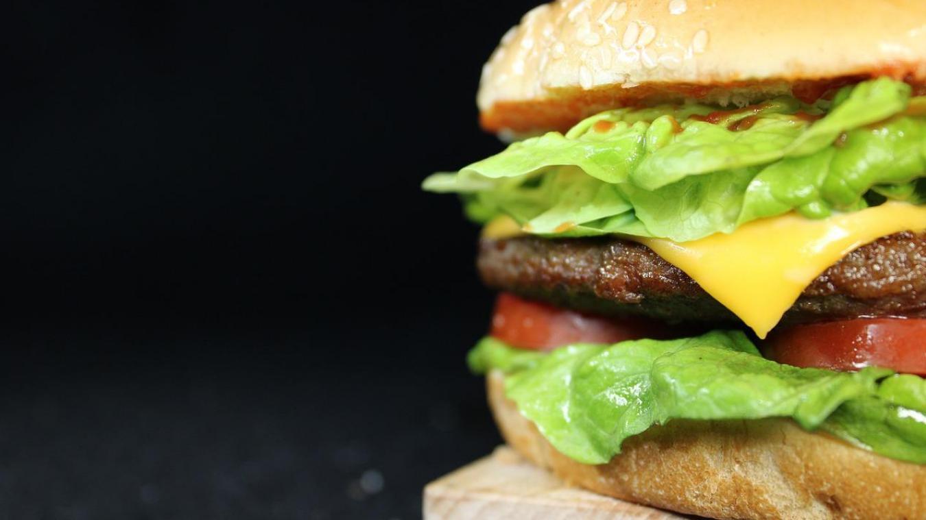 Victime de son succès, un resto qui propose des burgers à moins de 3€, contraint de fermer