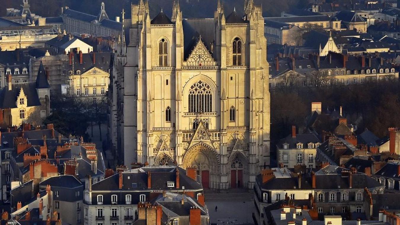 France : la cathédrale St Pierre et Paul de Nantes en feu