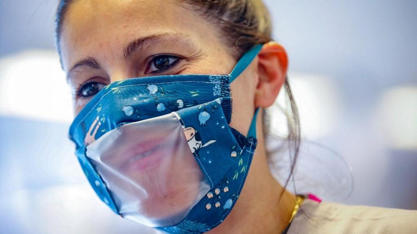 Sophie Cluzel promet 100.000 masques transparents