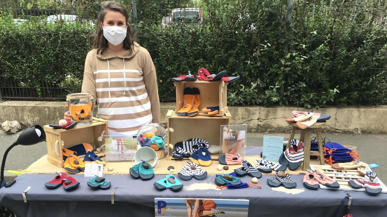 Ce jeudi, Sara de Belloy installe son stand au marché des créateurs de Lambersart.