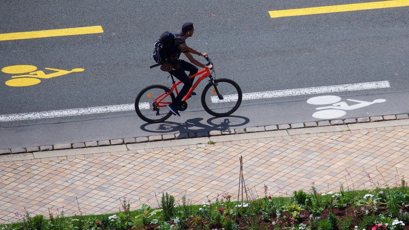 Feux Rouges Contresens Piste Cyclables Qu A T On Le Droit De Faire A Velo Ou Pas