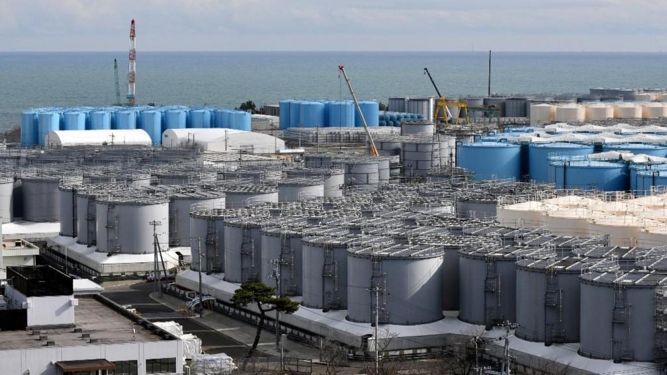 Environ 1,23 million de tonnes d'eau contaminée sont actuellement stockées dans plus d'un millier de citernes à proximité de la centrale nucléaire