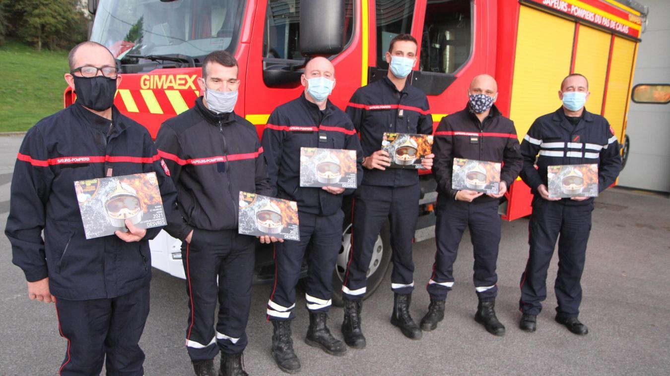 Longfossé : les pompiers présentent leur calendrier 2021
