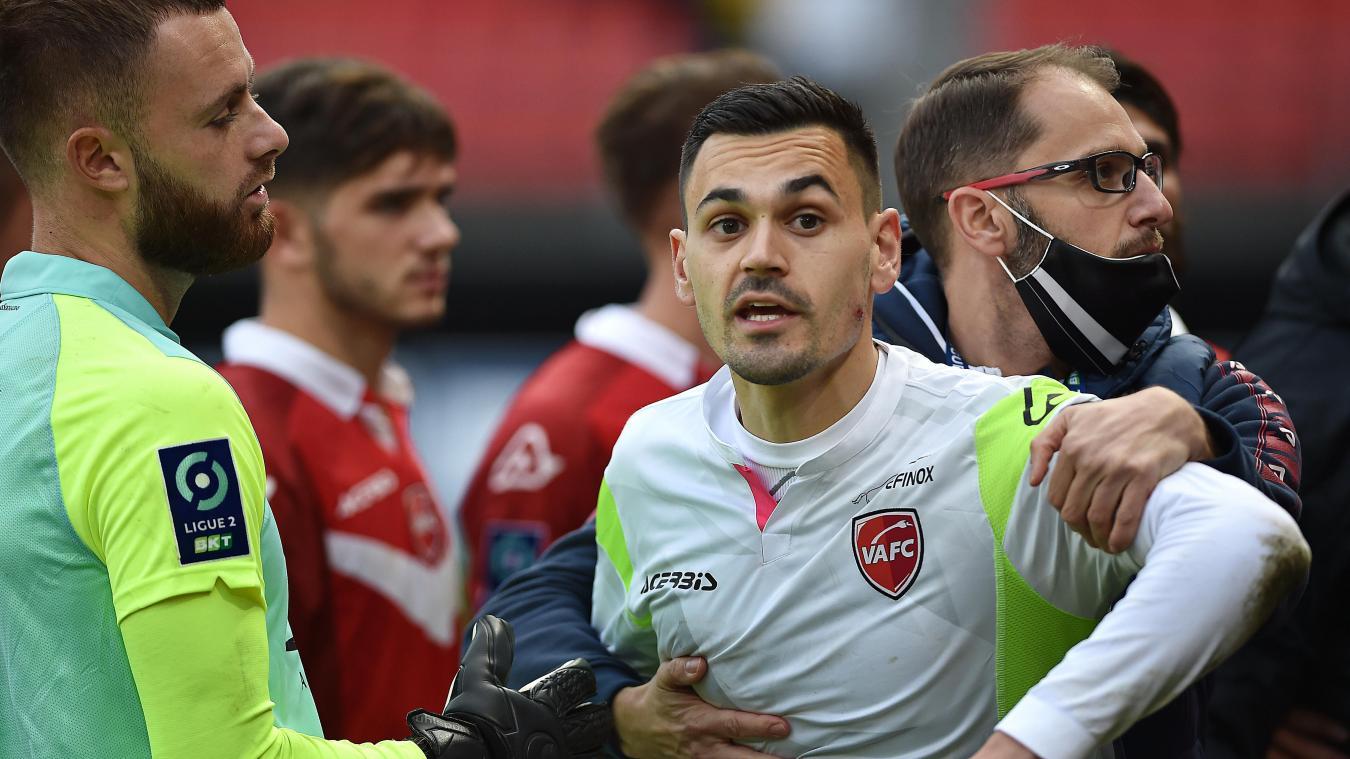 Jérôme Prior mordu par un adversaire à la fin de Valenciennes-Sochaux
