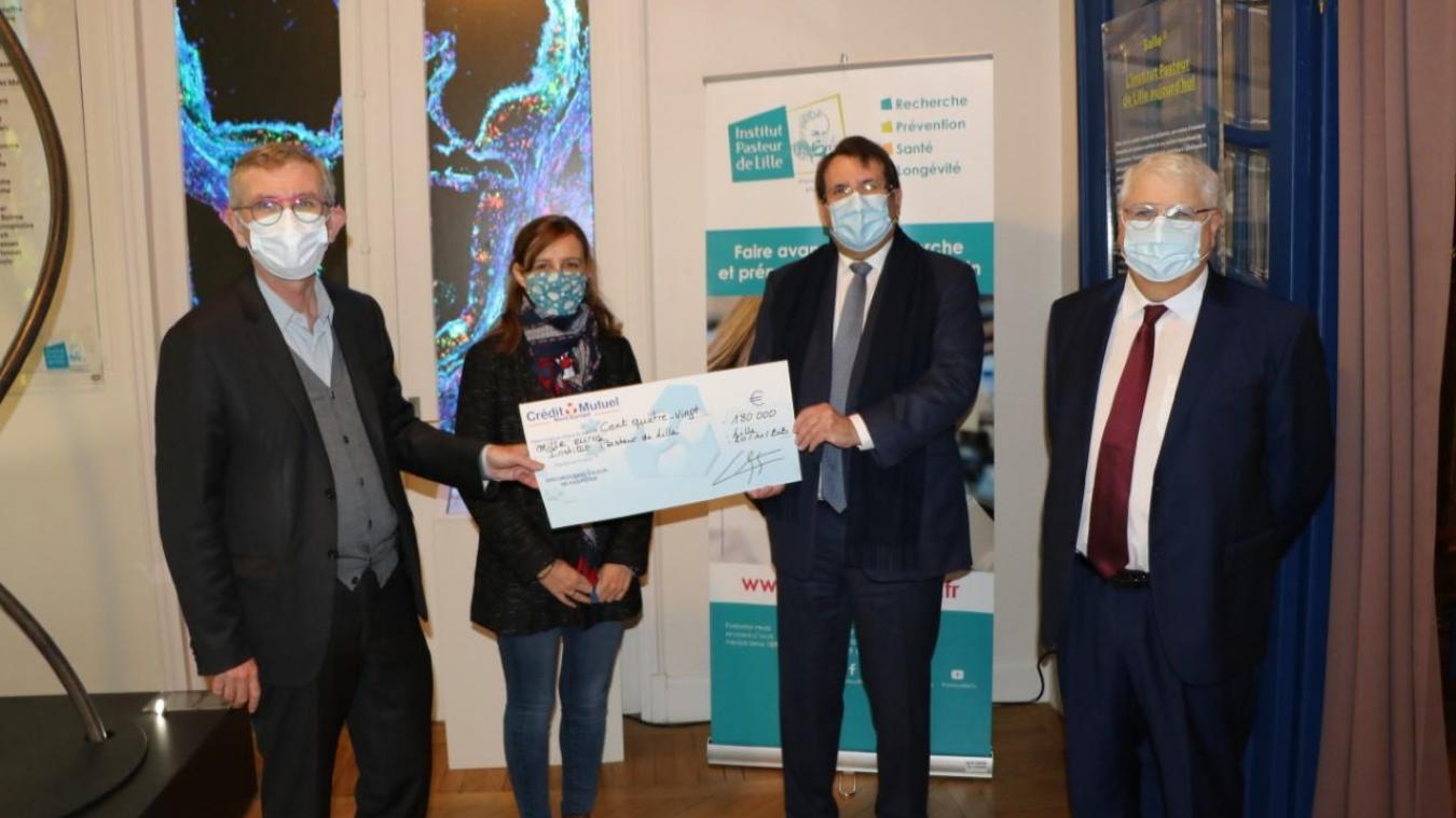À Lille, le Crédit Mutuel soutient l'Institut Pasteur contre le Covid