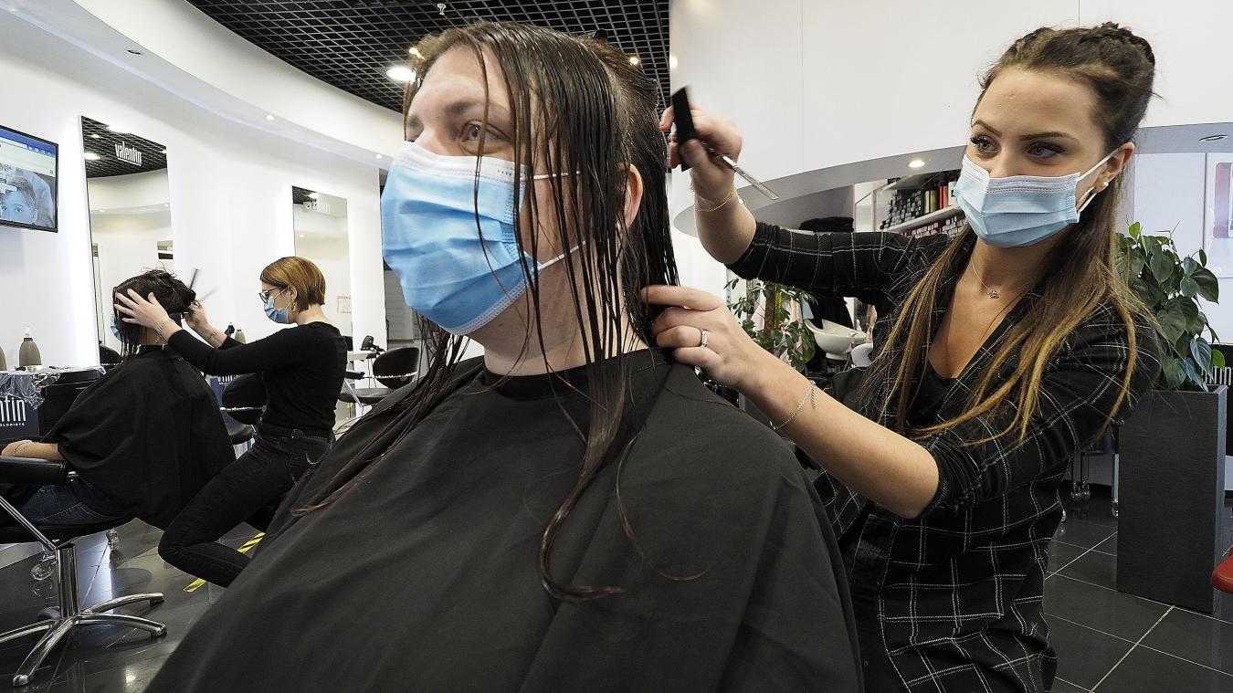 Confinement: finalement, la coiffure à domicile va bien être interdite
