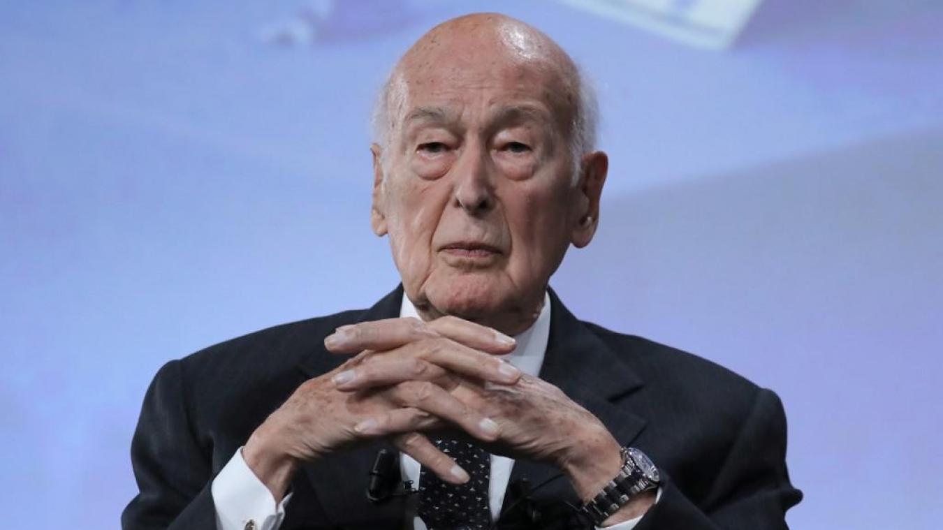 L'ancien président français Valéry Giscard d'Estaing hospitalisé à Tours