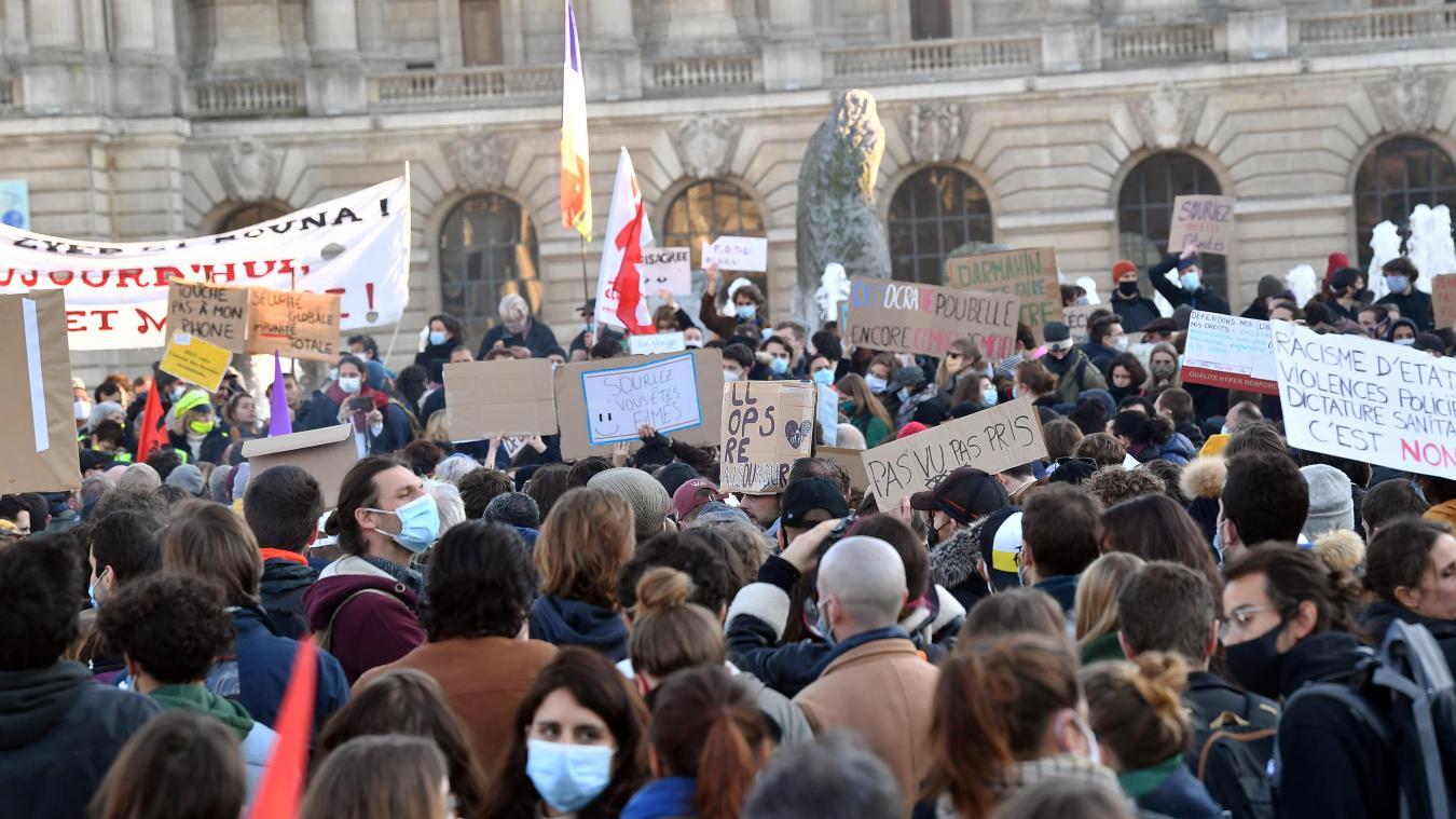 Plus de 1 500 personnes avaient manifesté le 28 novembre. PHOTO PHILIPPE PAUCHET