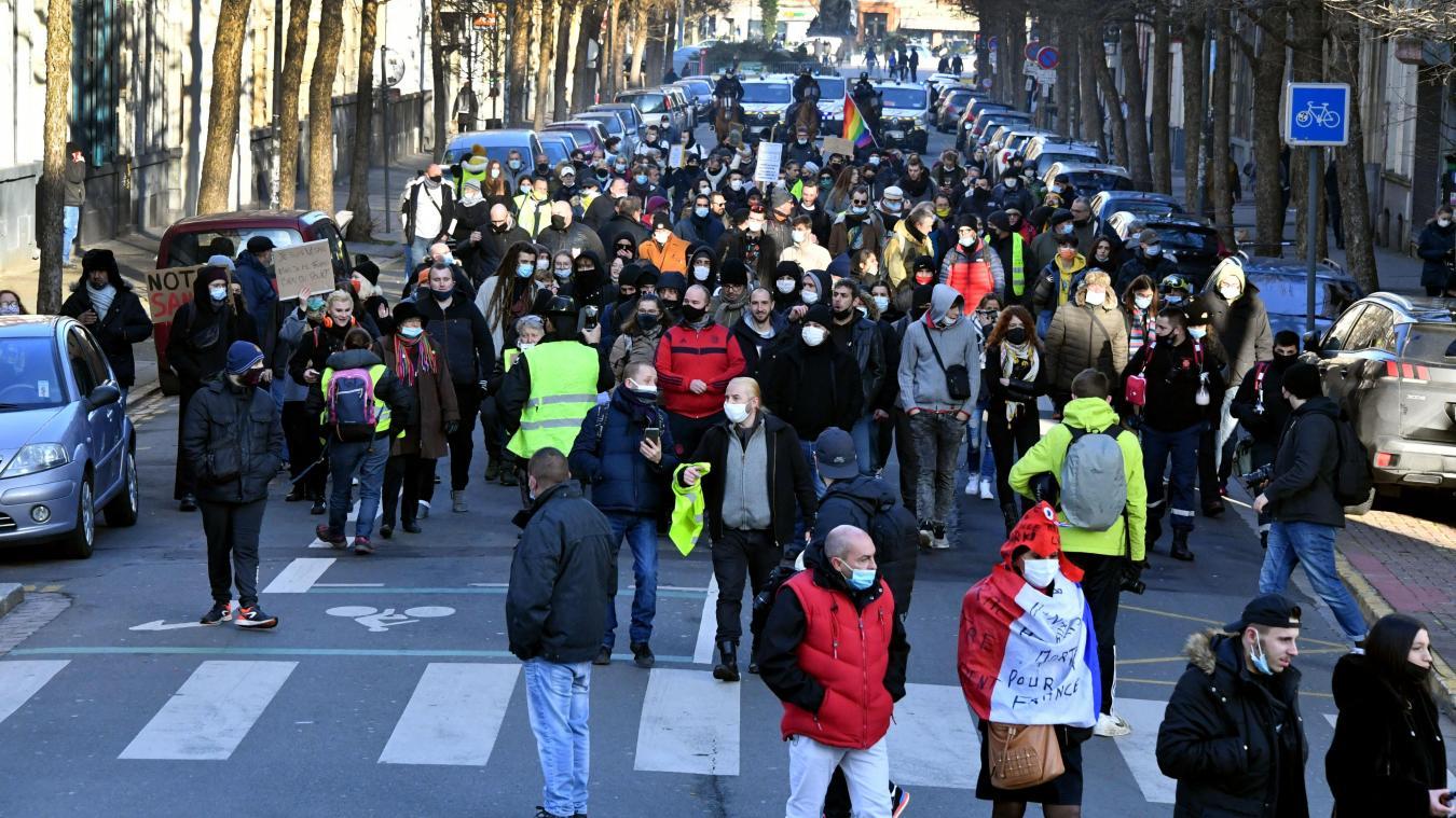 Lille : pêle-mêle de contestations pour une centaine de manifestants, ce samedi