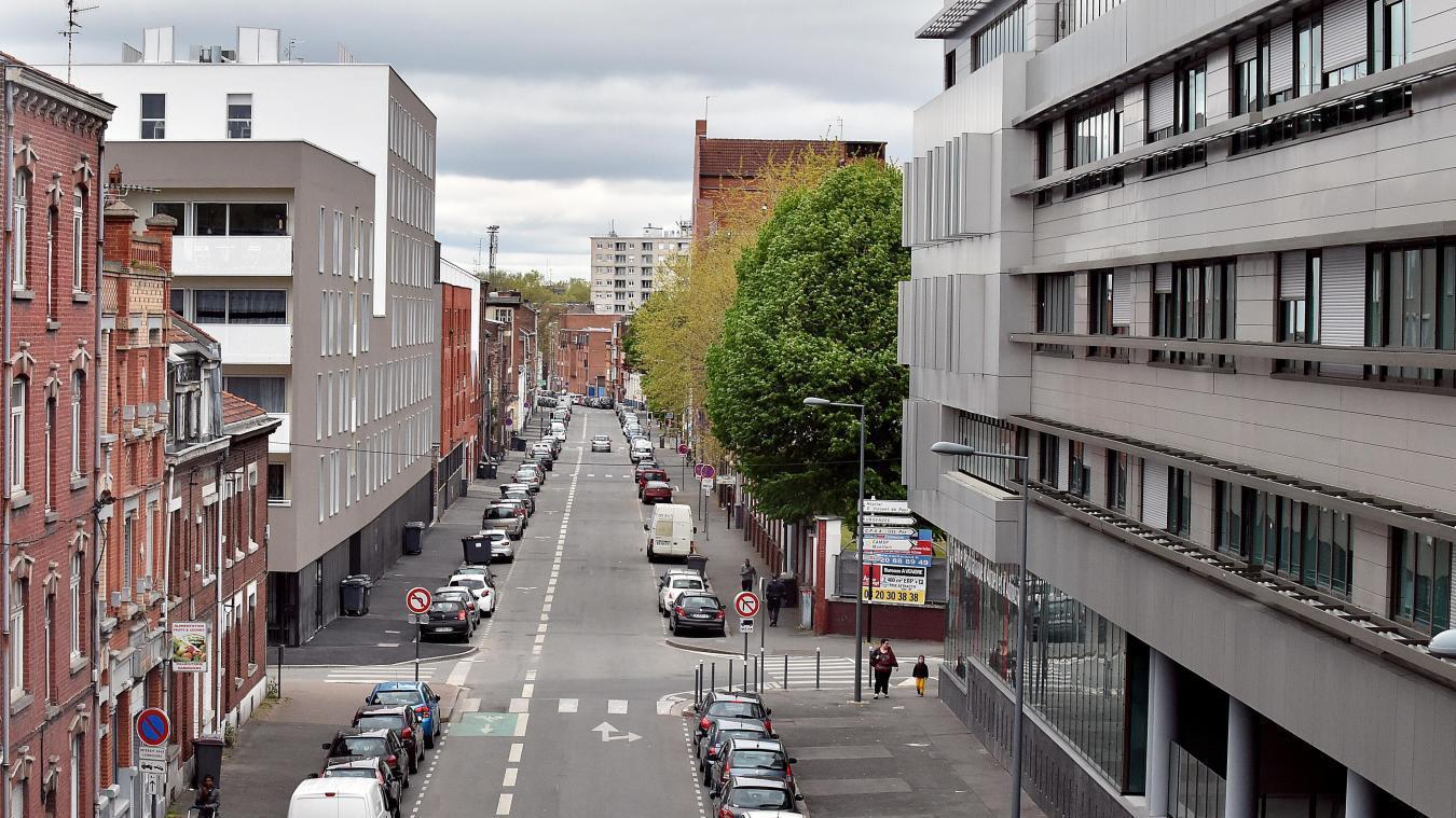 Les deux jeunes hommes ont été interpellés près de la rue Jean-Jaurès, dans le quartier Moulins, à Lille. PHOTO ARCHIVES PIERRE LE MASSON