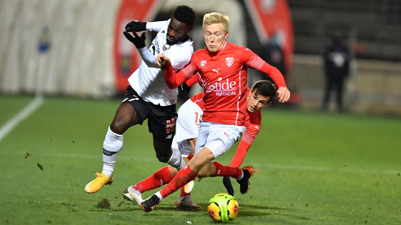 Covid-19 : Nîmes-Lorient, prévu dimanche, est reporté
