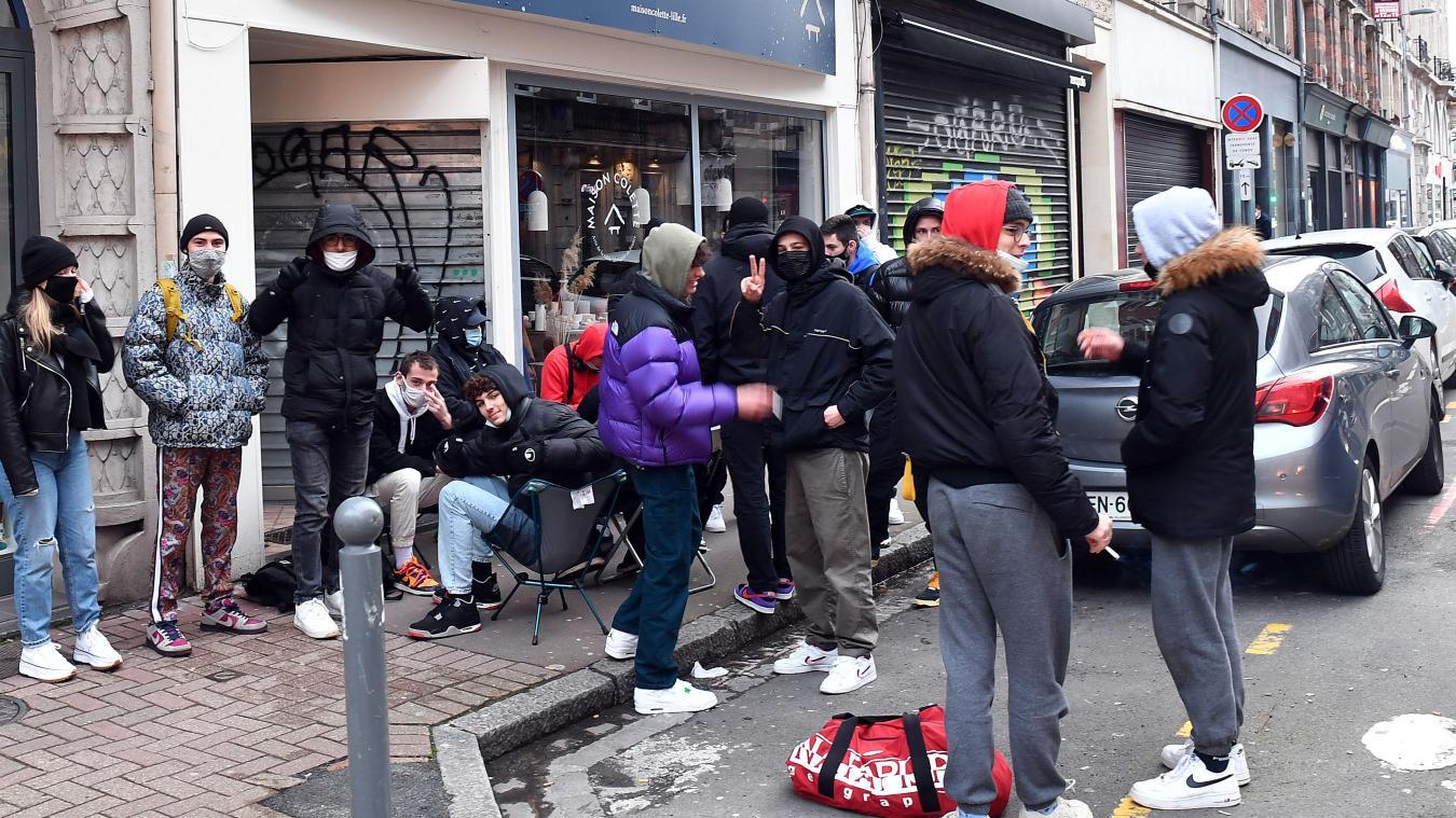 Lille: ils bravent le couvre-feu pour s'acheter la basket Dunk Court Purple au petit matin
