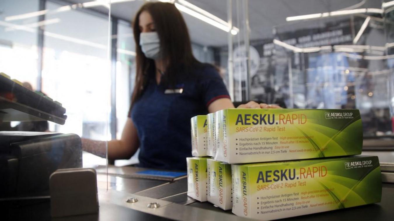 Allemagne : ruée sur les tests antigéniques vendus chez Aldi