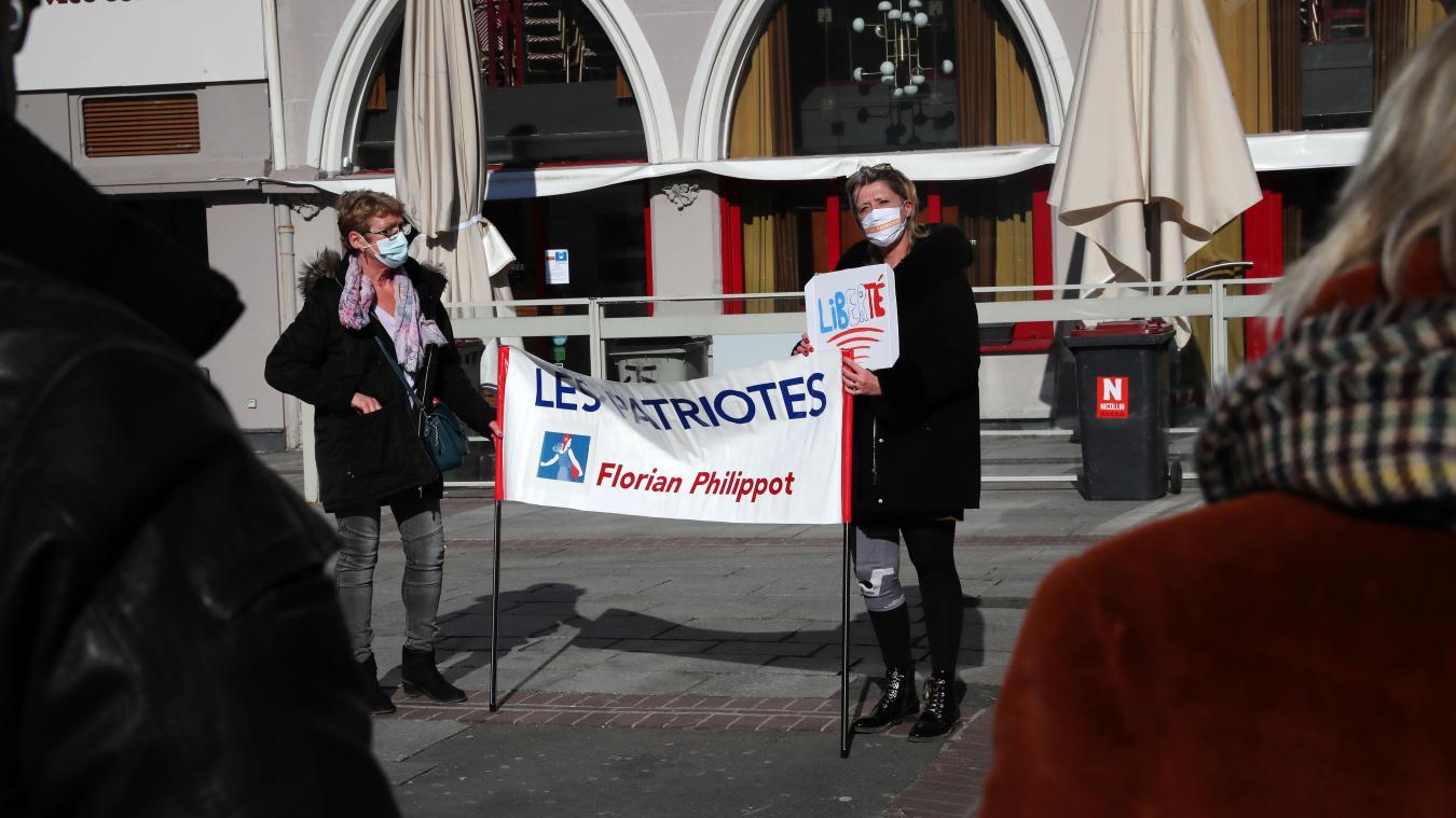 À Lille, rassemblés contre la «coronafolie»