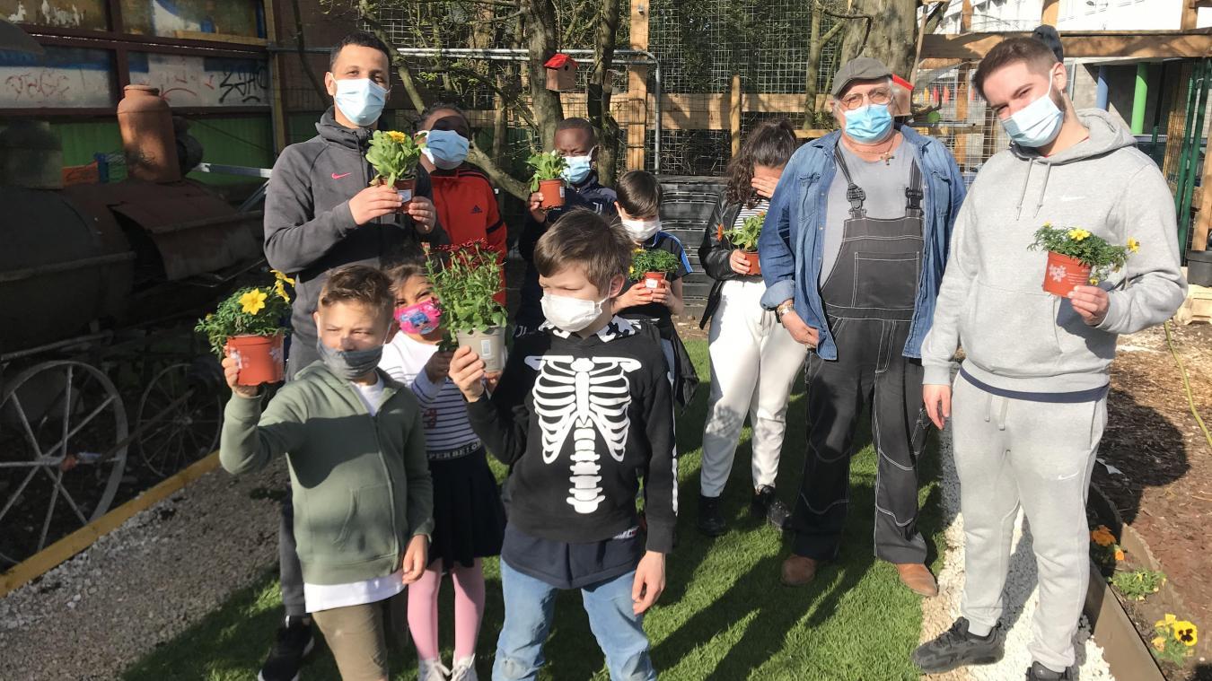 Le mercredi au centre social Marcel-Bertrand, c'est atelier jardinage.