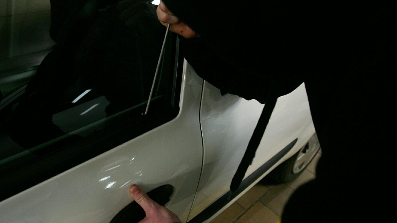 À Lille, un jeune homme a été interpellé en plein vol à la roulotte. PHOTO ILLUSTRATION LA VOIX DU NORD