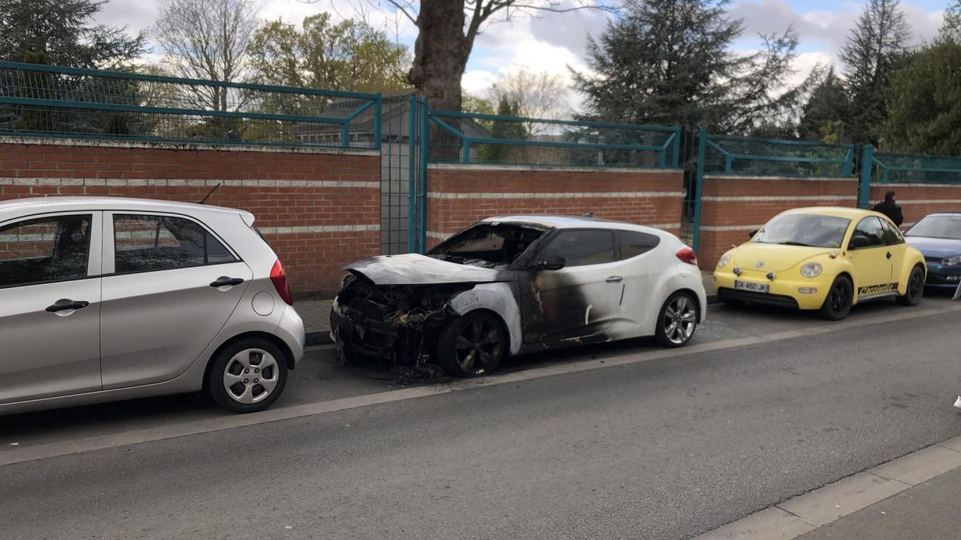 Lille: encore une voiture brûlée, un pyromane à Saint-Maurice-Pellevoisin ?