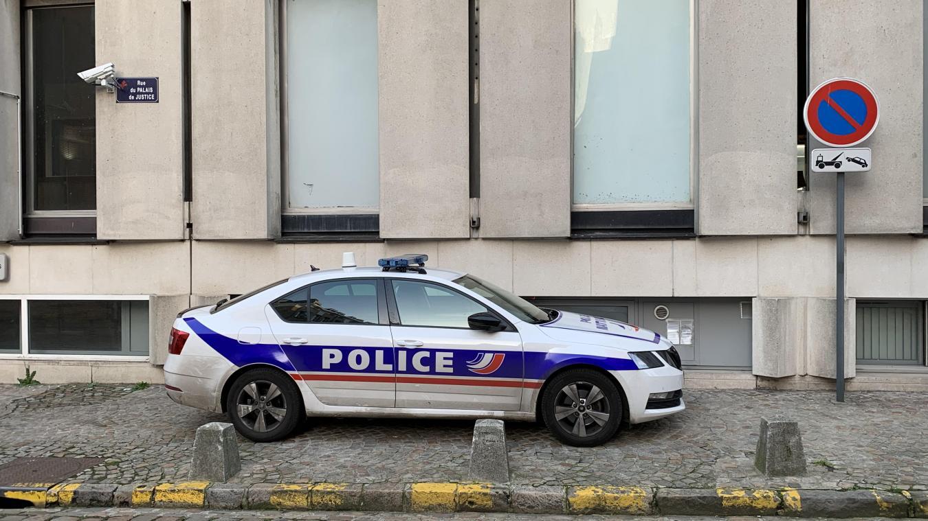 Lille et Roubaix : ces contrôles routiers orageux où « tous les policiers font deux mètres »