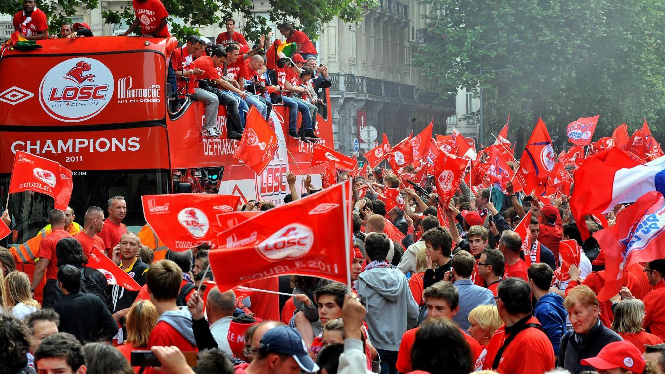 À fond avec le LOSC pour les dix ans du doublé, Lille passe au rouge et blanc