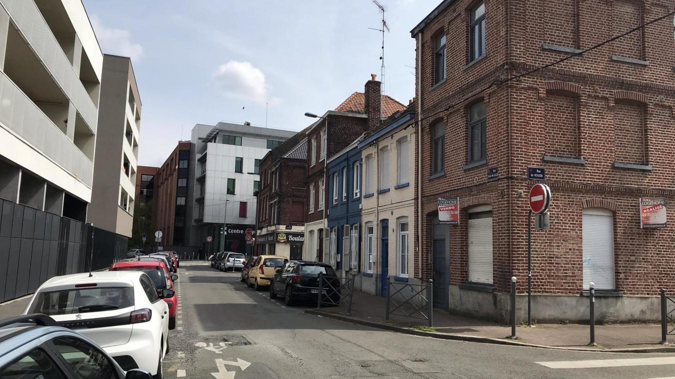 La victime a été blessée dans un logement de la rue De Lille, dans le quartier Moulins.