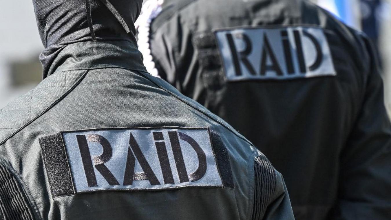 Néonazi: deux hommes et une femme écroués, après un projet d'attentat et des contacts avec Rémy Daillet