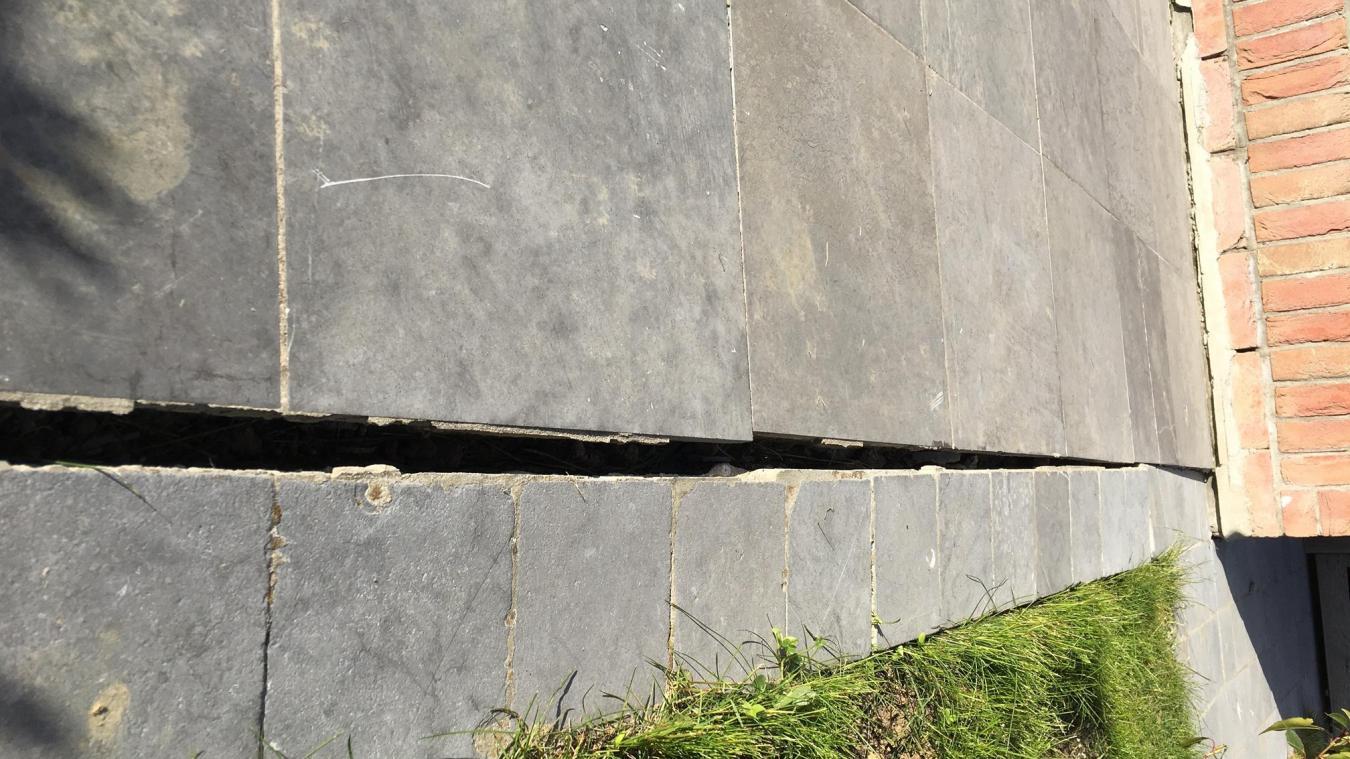 Les retraits et gonflements des sols argileux provoquent des fissures profondes dans les constructions touchées. Photo «La Voix du Nord»