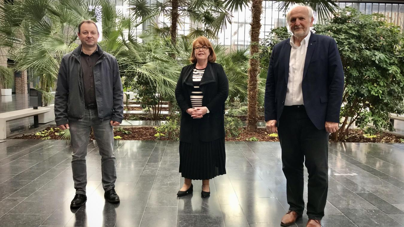 De gauche à droite, le remplaçant Jacques Francin et les candidats titulaires Catherine De Ruyter et Daniel Gruszczynski. Manque à l'appel la deuxième remplaçante, Victoria Godefrood-Berra.