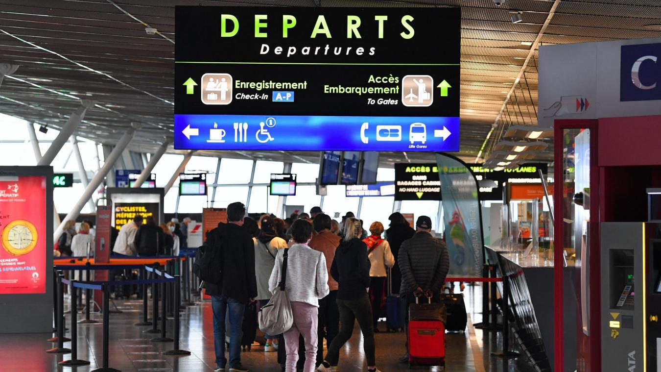 Avec les premiers départs pour la Grèce et la Corse, l'aéroport de Lille-Lesquin a lancé ce samedi sa saison d'été. PHOTO FLORENT MOREAU
