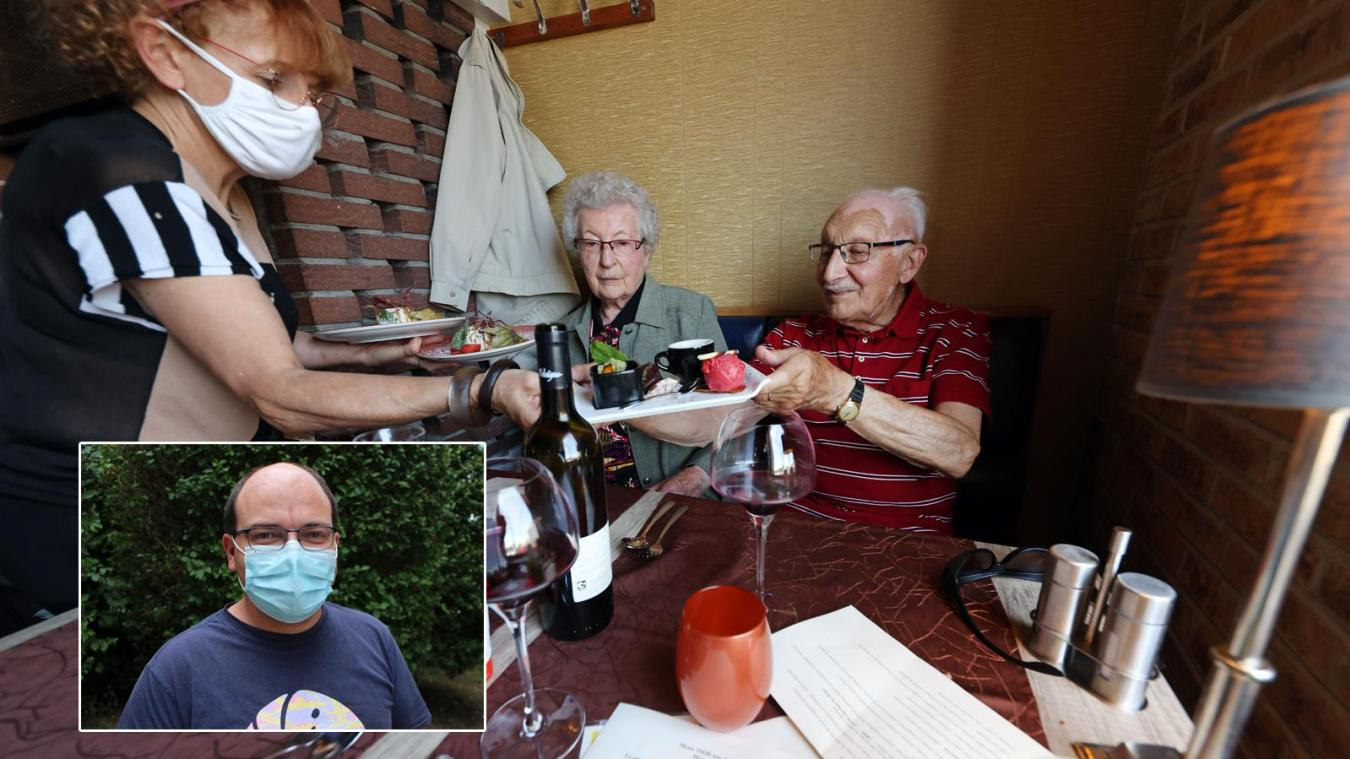 Dans un restaurant à Fresnes-les-Montauban. En médaillon: Michaël Rochoy est le co-fondateur du collectif «Stop postillons», qui a oeuvré dès le printemps 2020 pour le port du masque. PHOTOS MATTHIEU BOTTE ET «LA VOIX»