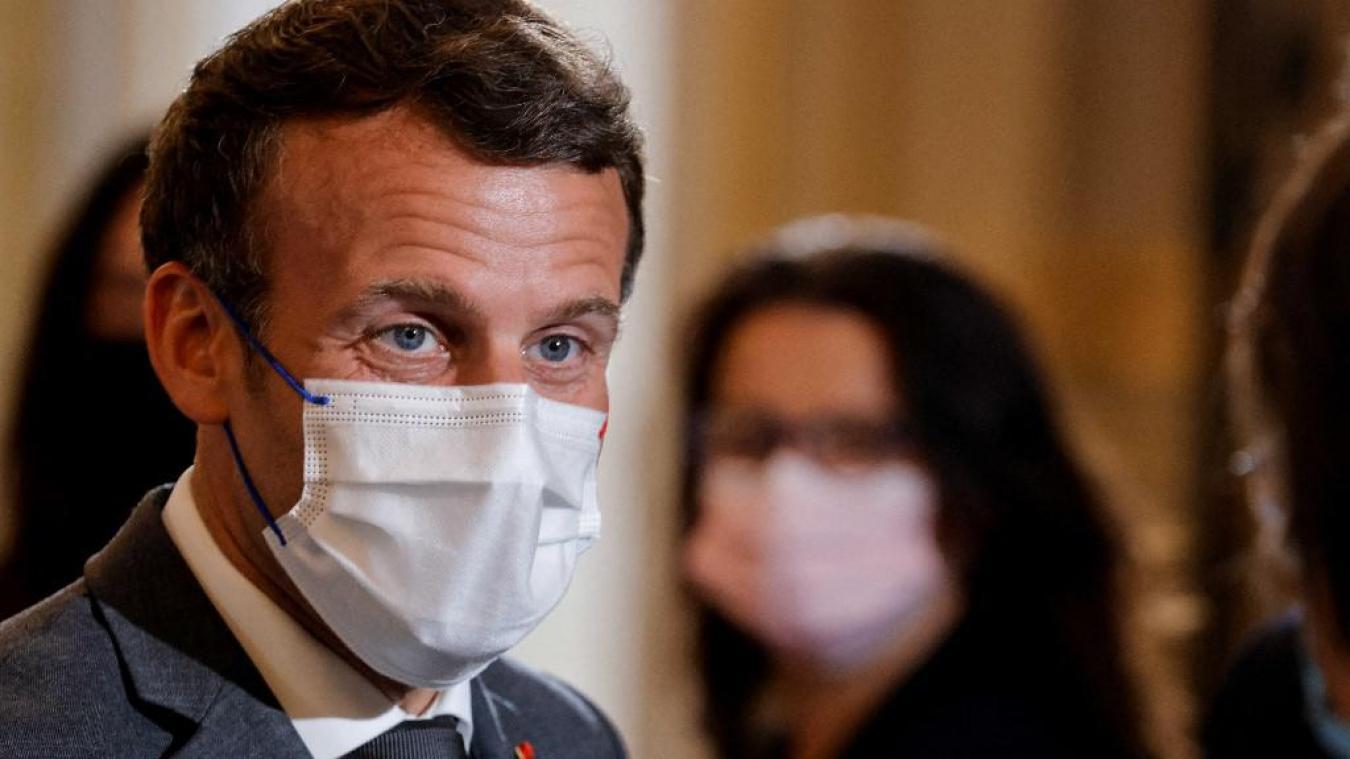 La vidéo de la gifle infligée à Emmanuel Macron dans la Drôme mardi a été diffusée sur Twitter par un Lillois de 21 ans qui assure l'avoir récupérée sur Snapchat. (Photo by PASCAL ROSSIGNOL / POOL / AFP)