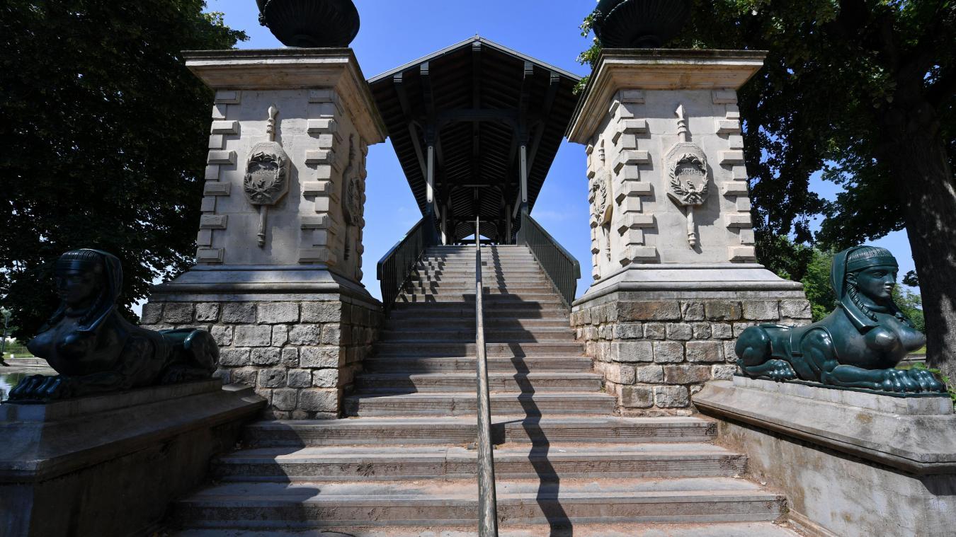 Les marches du pont Napoléon? Un bon exercice physique... PHOTO FLORENT MOREAU