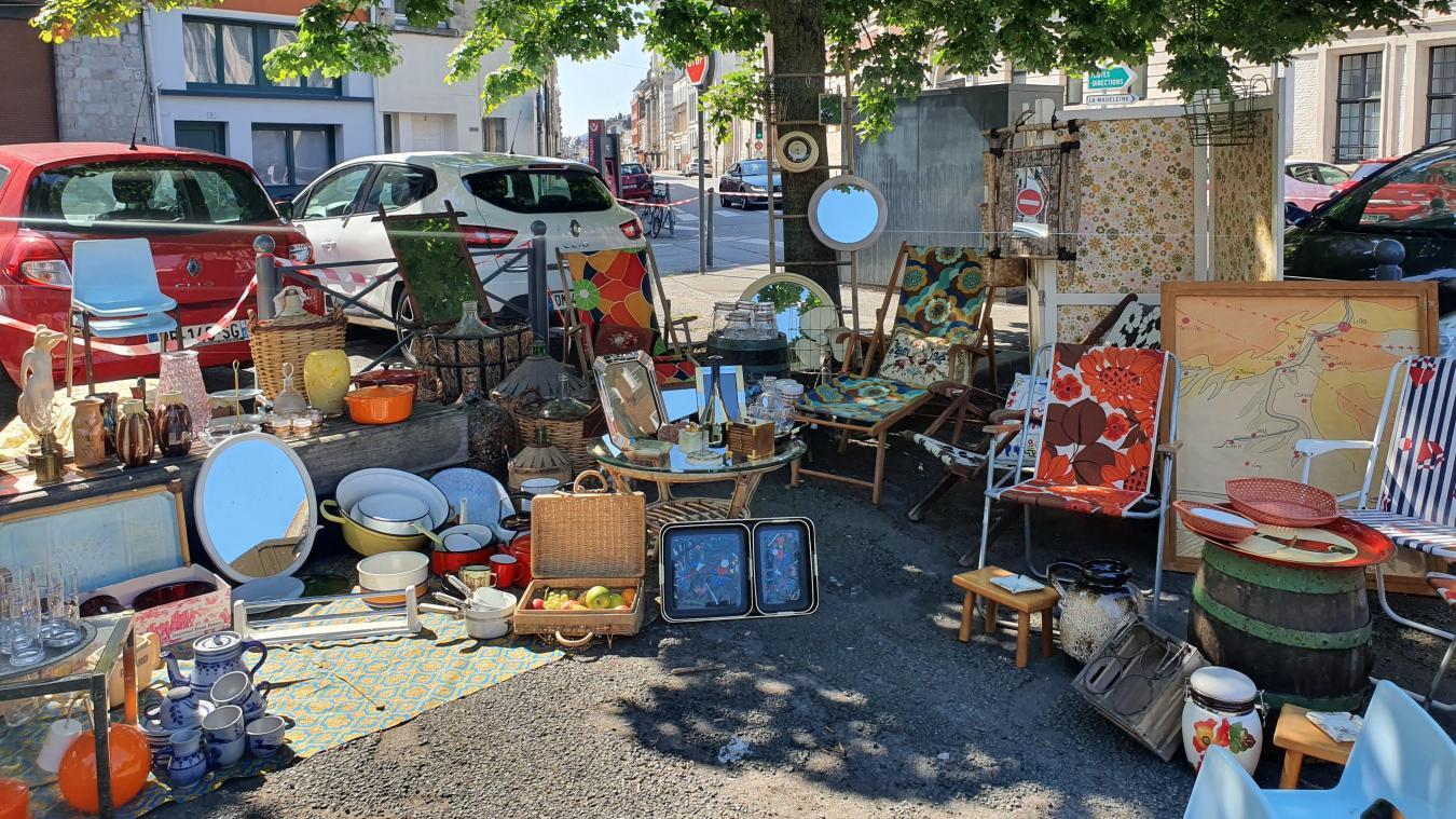 Un marché vintage s'est tenu place Saint-André dans le Vieux-Lille.