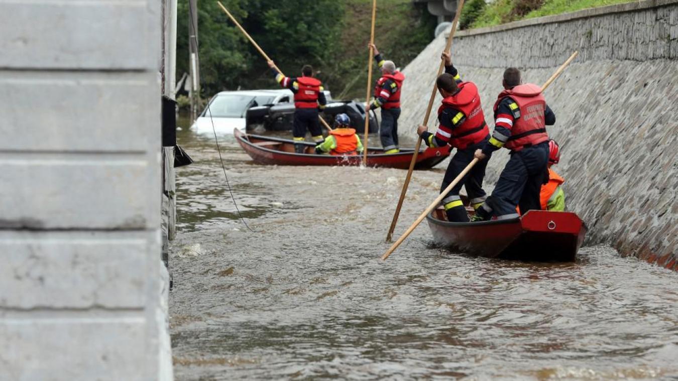 Inondations en Belgique : pourquoi les habitants n'ont pas reçu les notifications d'alerte?
