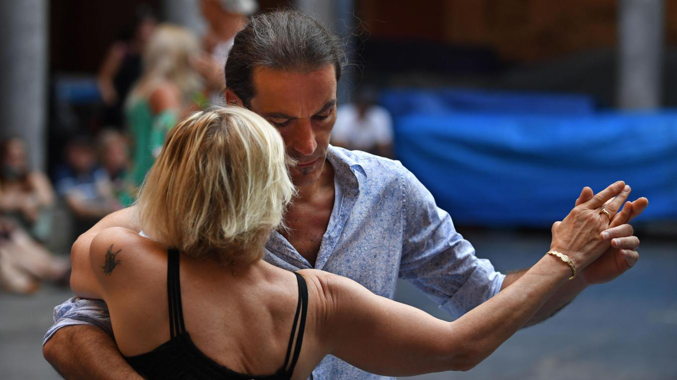 À Lille, le tango argentin enchante de nouveau la Vieille-Bourse tout l'été
