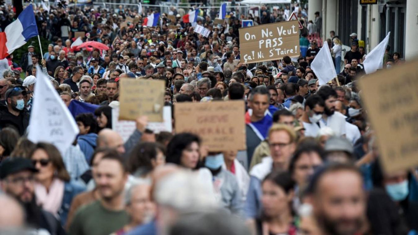 Pass sanitaire: un troisième samedi de manifestations de Marseille à Lille