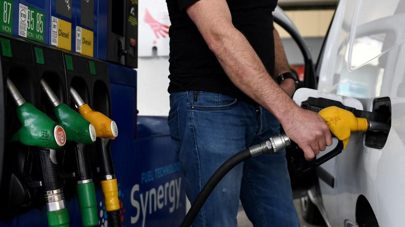 Automobile : ces pays qui veulent interdire les moteurs à essence