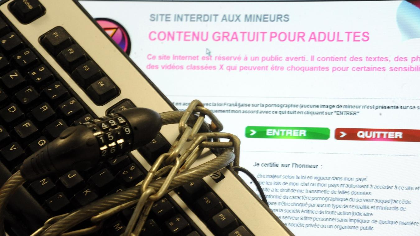 Pornographie: la justice va trancher, plusieurs sites internet pourraient être bloqués