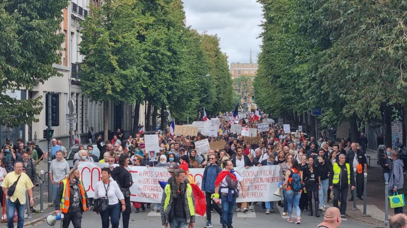 Lille : un peu moins de monde dans la rue contre le pass sanitaire