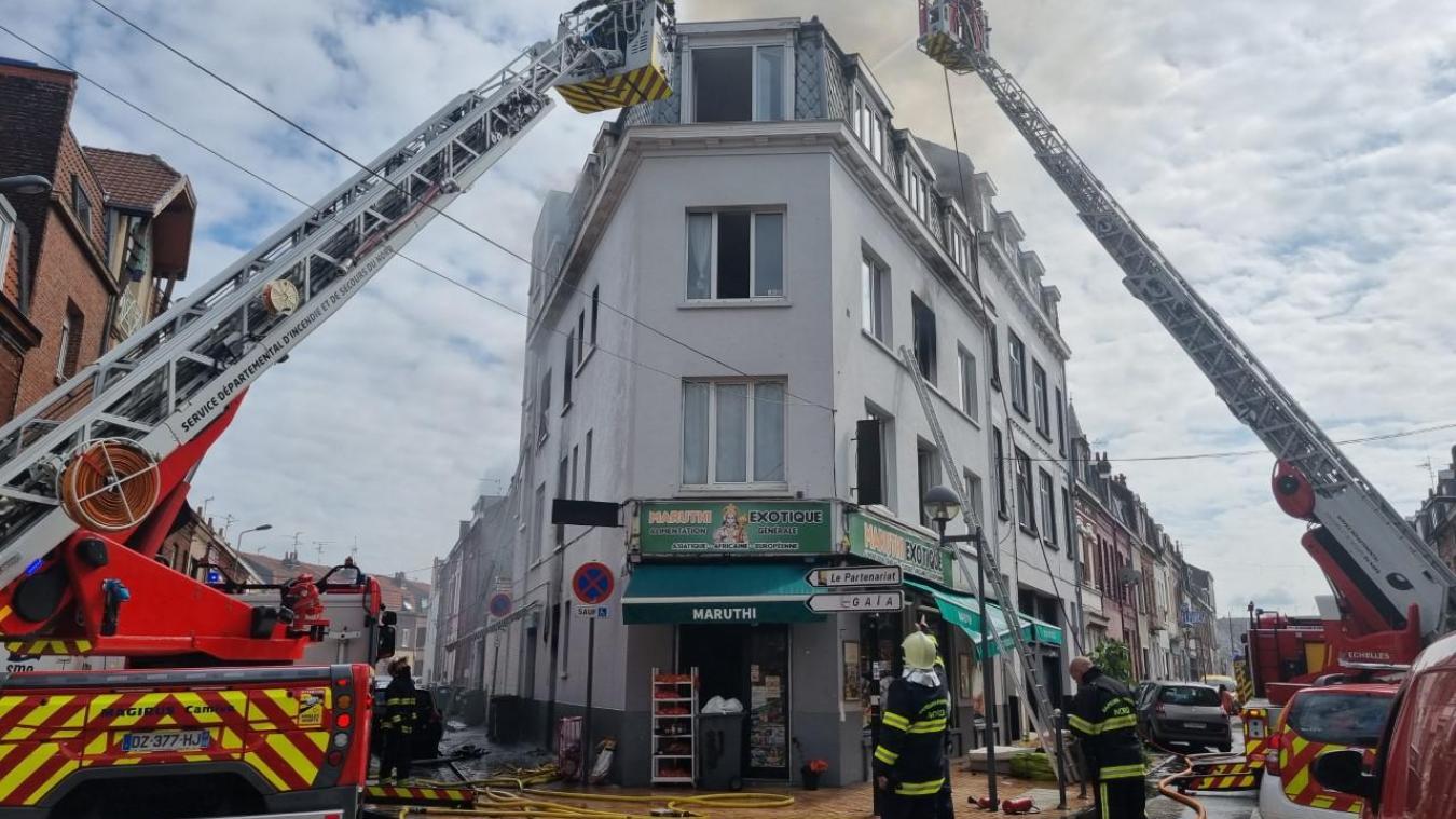 Lille: violent incendie en cours rue Garibaldi, 9 personnes sauvées