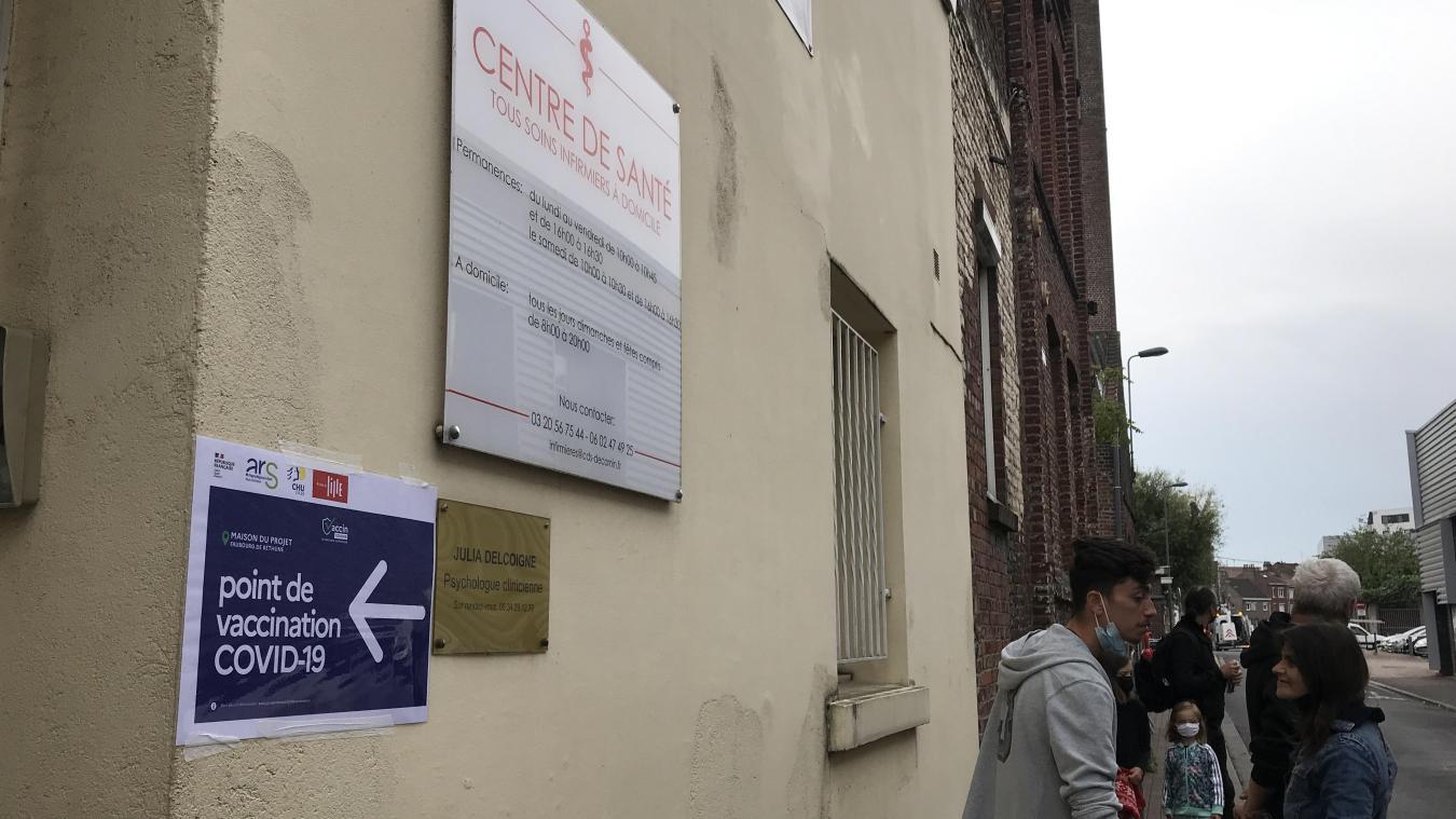 Lille : les centres de vaccination éphémères et ceux qui n'ont « plus le choix »