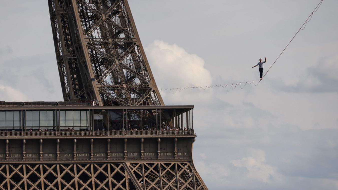 Le funambule Nathan Paulin a traversé la Seine à 70 mètres de hauteur