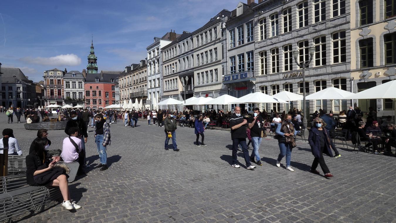 À compter de la mi-octobre, il faudra montrer un pass sanitaire pour déjeuner dans un restaurant à Mons. Photo Christophe Lefebvre