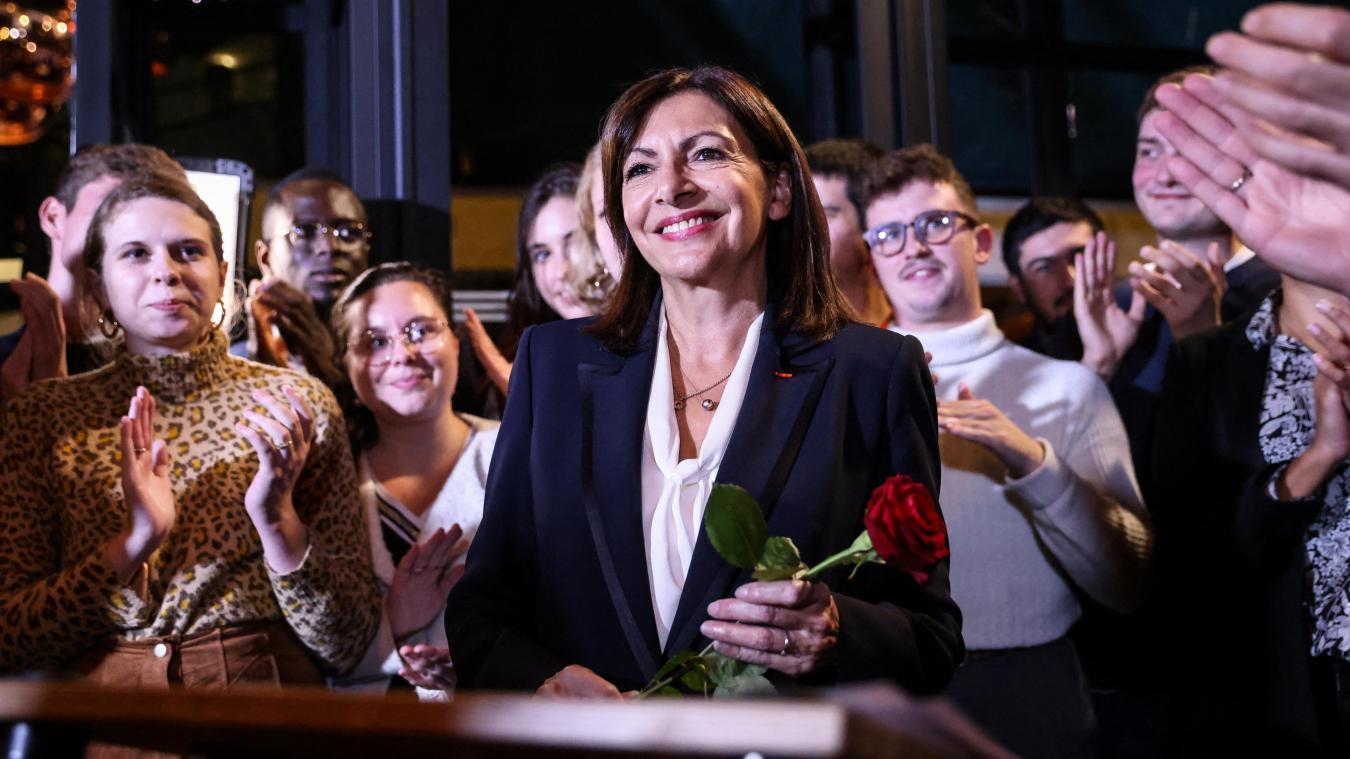 Présidentielle: Anne Hidalgo est investie par le PS